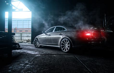 Mercedes Wallpaper Desktop by Mercedes Cls 55 Amg With Smoke In Room Hd
