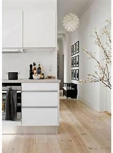 Idee Deco Cuisine Pas Cher : parquet idee deco cuisine moderne sol en parquet clair meubles blancs parquet teck clair pas ~ Melissatoandfro.com Idées de Décoration