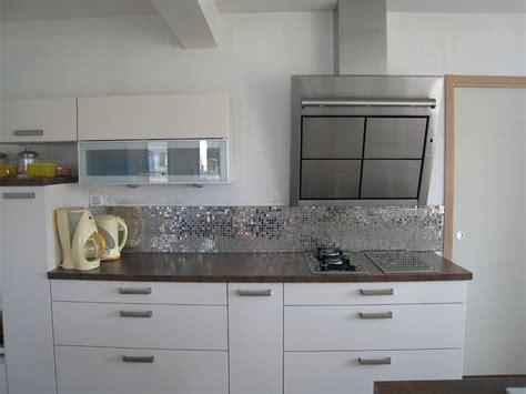 carrelage pour cuisine carrelage cuisine mosaique kakuder sur le mur chaude