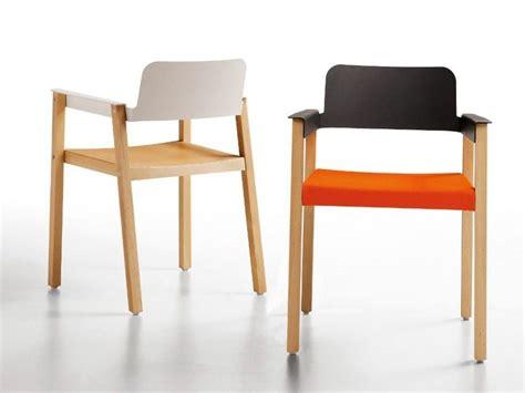 chaise ée 50 les 25 meilleures idées de la catégorie chaise accoudoir