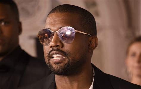 kanye west deletes twitter  instagram