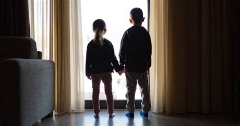 Effects Of Social Isolation On Mental Health: Experts On ...