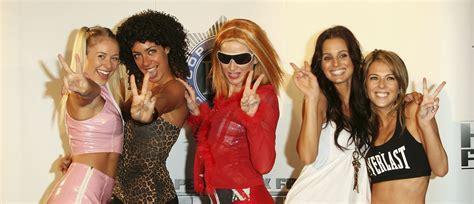 false alarm  spice girls   perform   royal
