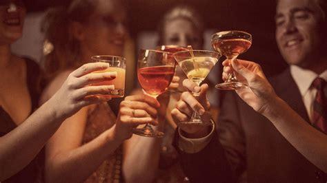 salud una dos  tres copas cuanto debes beber cuando