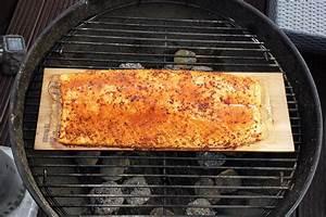 Lachs Vom Grill : lachs grillen auf dem zedernholzbrett fisch grill box im test grill blog ~ Frokenaadalensverden.com Haus und Dekorationen
