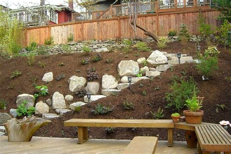 Steep Backyard by 25 Unique Steep Backyard Ideas On Sloped