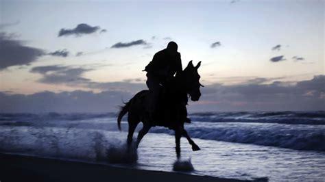 beach riding horse perth horses ban riders praise decision overturn again allowed hillarys
