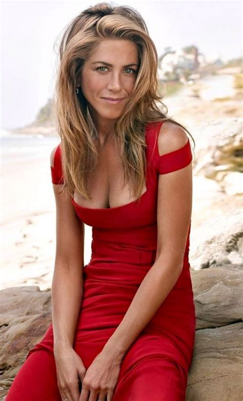 jennifer aniston sexy jennifer s sexy red dress jennifer aniston pinterest