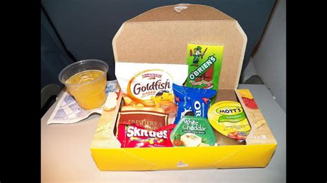 Hd United Airlines Food Service Classic Snack Box For