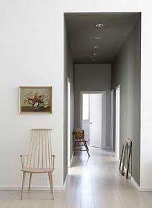 12 idees deco pour styliser un couloir long etroit ou for Quelle couleur peindre les portes 3 12 idees deco pour styliser un couloir long etroit ou sombre