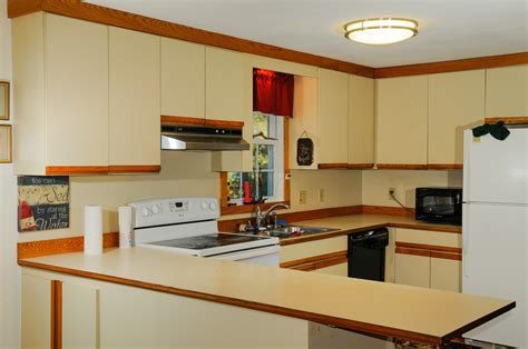 kitchen cabinet refacing ma cabinet painting massachusetts cabinets matttroy 5695