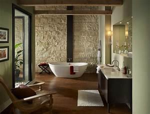 salle de bain rustique grace au mur en pierre creatif With salle de bain design avec evier pierre reconstituée