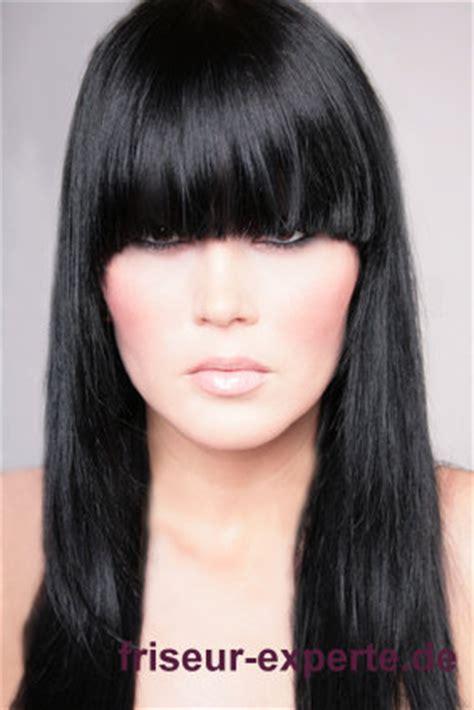 dunkle haare bilder frisuren bild langhaarfrisur mit dunklen haaren und langem pony friseur experte