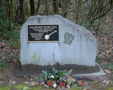 perry como burial site grandpa jones gravesite