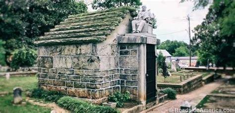 strange of oakland cemetery atlanta