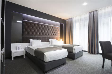 chambres à coucher moderne cuisine mobilier bois gris neutre moderne froid cocon lit