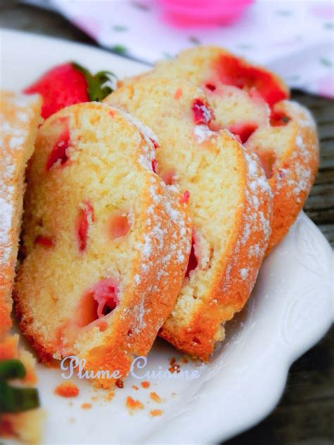 aux fraises cuisine cake aux fraises bien moelleux une plume dans la cuisine