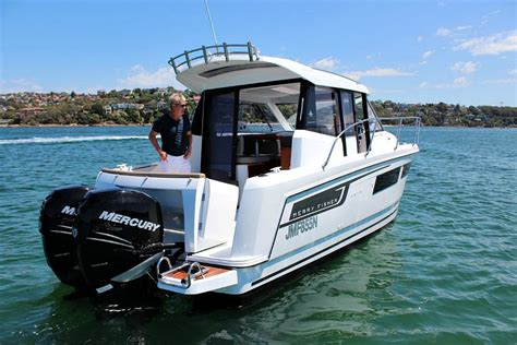 Jeanneau Merry Fisher 855 Review - BoatAdvice