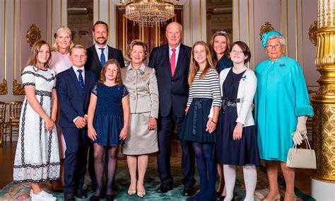 royal shock divorced princess reveals  boyfriend