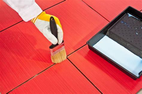 peindre du carrelage sol les 233 et astuces pour un bon r 233 sultat