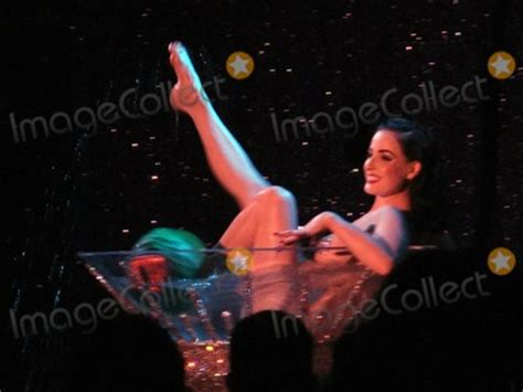 Photos And Pictures  Exclusive!! Queen Of Burlesque, Dita