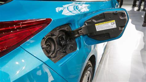Presentado El Nuevo Toyota Prius Prime. Versión Enchufable