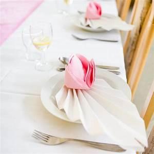 Servietten Falten Tischdeko : servietten falten f r die hochzeit top 10 ideen tipps beispiele ~ Markanthonyermac.com Haus und Dekorationen