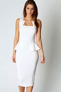 white midi dress dressed up girl With robe de cocktail fourreau