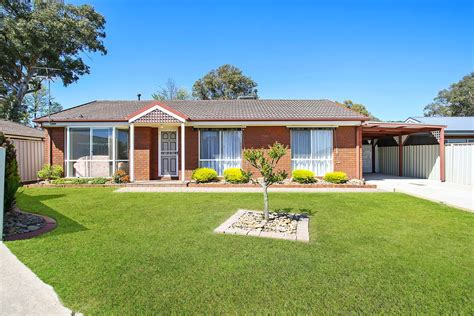 Few things will make you feel more like the little guy than trying to find affordable health insurance. 6A Templeton Place, Wodonga, VIC, 3690 - Sold   Elders Real Estate