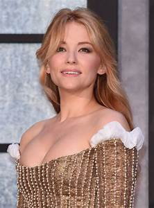 Haley Bennett At The Girl on the Train premiere in London ...