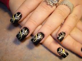 Simple nail art design ideas and tattoo