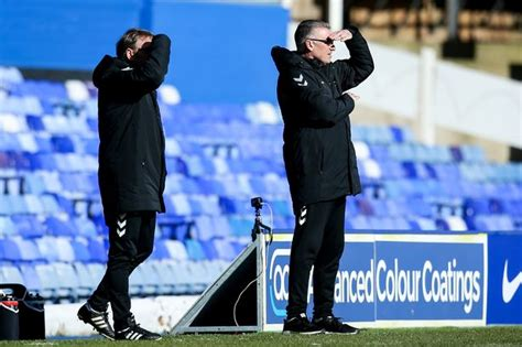 Nigel Pearson delivers update on his Bristol City future ...