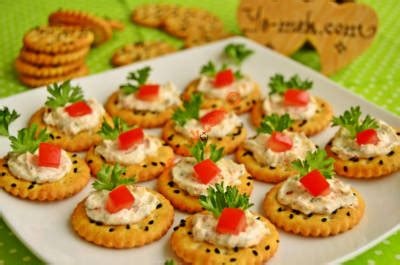 jam biscuit canapes recipe    jam biscuit canapes