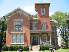 harmonious italianate style architecture winged gable roof styles architecture plans 32563