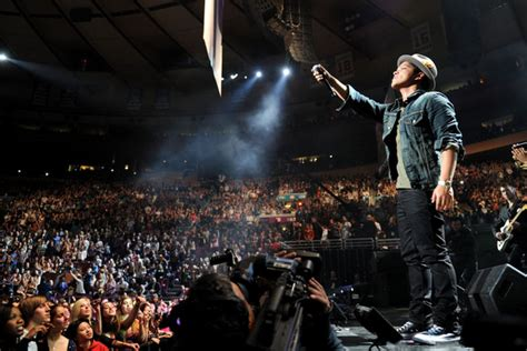 Jingle Square Garden by Bruno Mars Pictures Z100 S Jingle 2010 Presented By