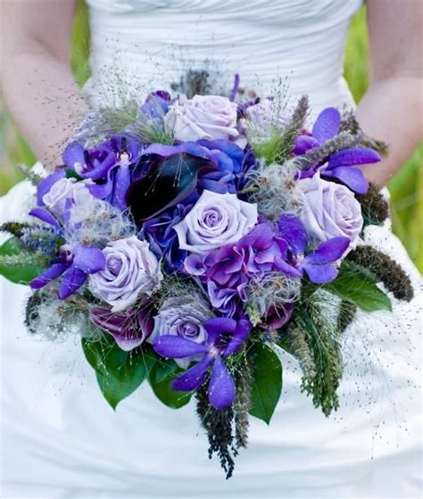 wedding planing  blue wedding bouquets blue