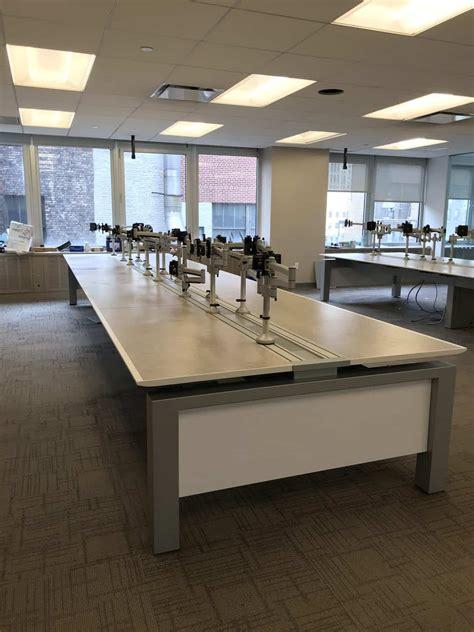 Stone Lion Used Innovant Trading Desk With Monitor Arms
