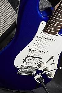 Squier Affinity Strat HSS Pack Metallic Blue | Keymusic  Blue