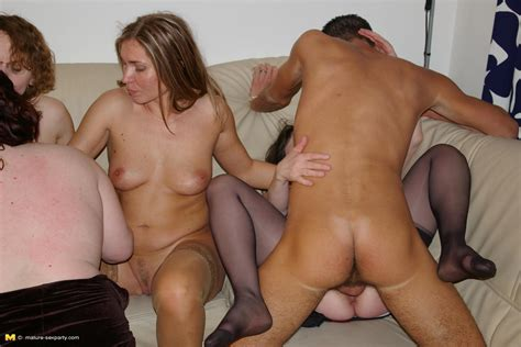 This Fisty Dude Loves Fucking Loads Of Mature Nymphos At Once