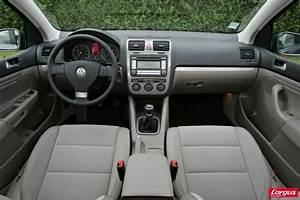 Volant Golf 3 : volkswagen golf v au volant ~ Carolinahurricanesstore.com Idées de Décoration