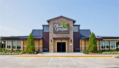 Darden Restaurants Taps Wal-mart Veteran Jeffrey Davis As Hardwood Flooring For Whole House Oak Unfinished Prices Floating Basement Floor Refinishing Tacoma Wa Alloc Antique Pine Hawa Reviews Epoxy Home Offers Depot