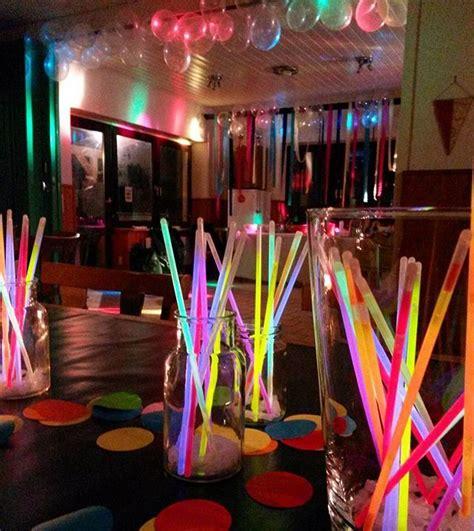 Die Besten 25+ 80er Party Ideen Auf Pinterest Neonparty
