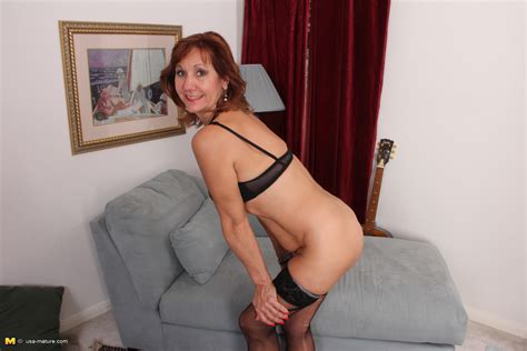 Horny American Housewife Playing With Herself