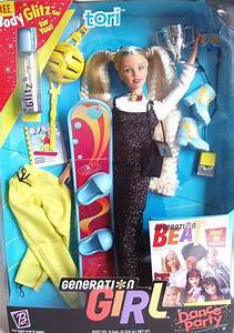 Relembre as roupas mais polêmicas das Barbies lançadas nos ...