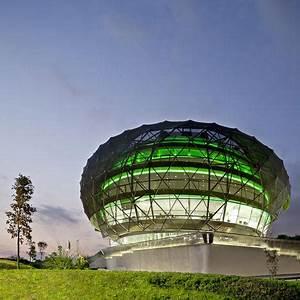 iGuzzini Illuminazione España SA Headquarters by MiAS ...