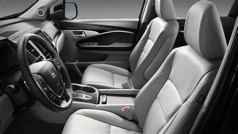 2016 Honda Pilot Interior-022