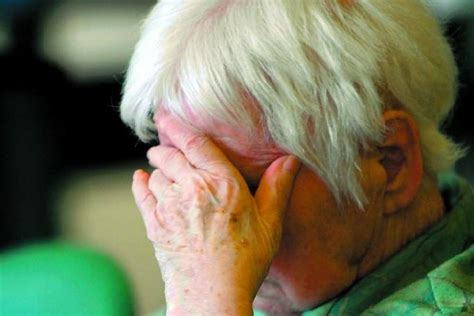 carcassonne les aides soignantes d 233 noncent l enfer des maisons de retraite 08 10 2008
