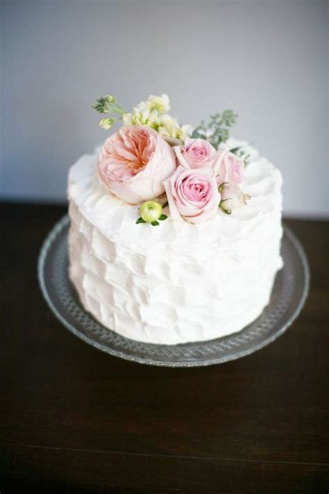 delicious  tier wedding cakes   inspired