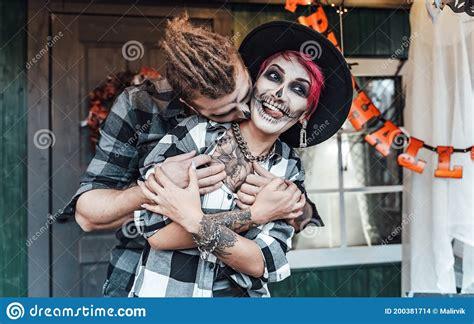 scary love couplemanwomanfamilymotherfather