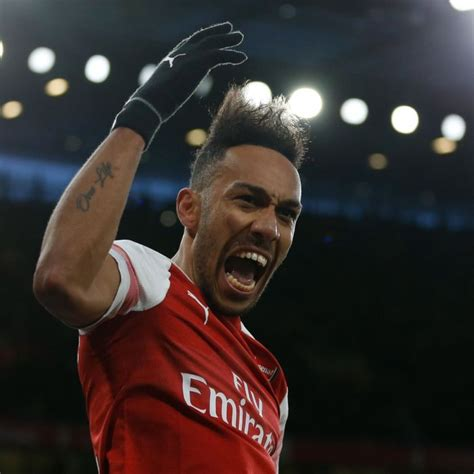 Aubameyang Wears A Mask To Celebrate His Goal - Bamzz